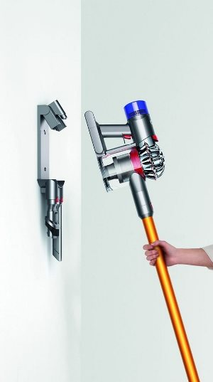 mon avis sur l 39 aspirateur dyson v8 absolute fini la poussi re. Black Bedroom Furniture Sets. Home Design Ideas